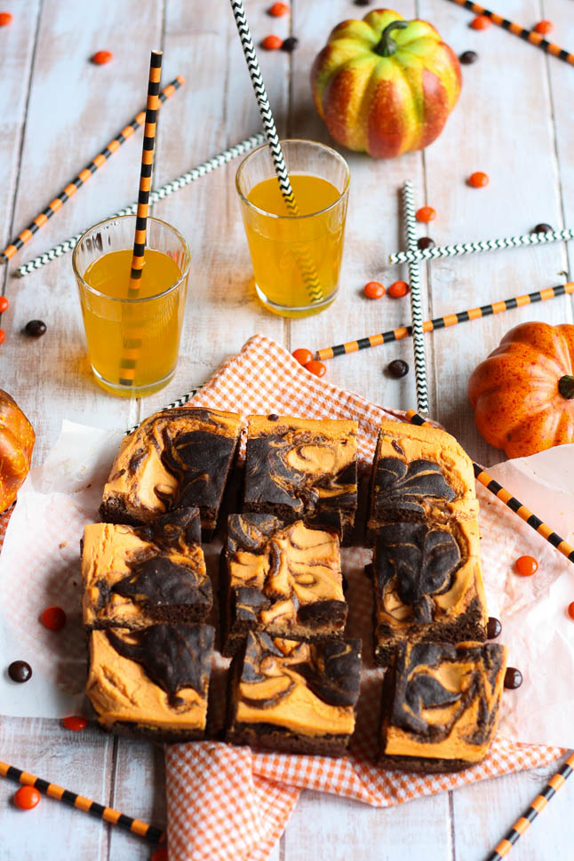 Chocolate Swirl Cheesecake Halloween Bars - a tasty halloween treat that is guilt-free and festive! Even the kids will love it! | adoubledose.com