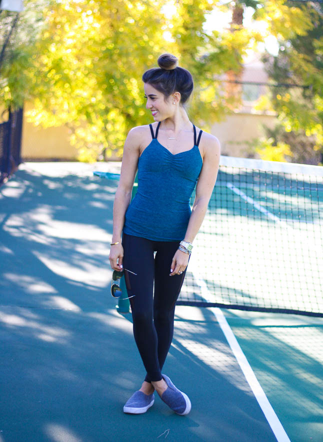 Beyond Yoga- our favorite comfy workout outfit for running to the gym or running errands| adoubledose.com