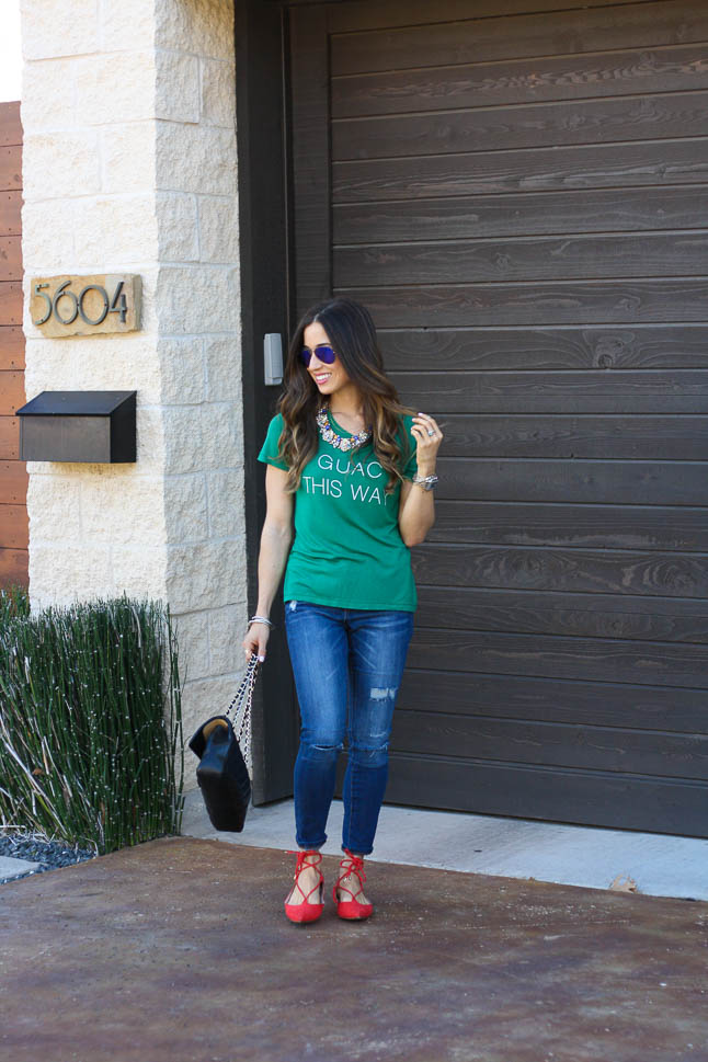 Guac This Way- the cutest and softest tee perfect for a casual weekend look | adoubledose.com