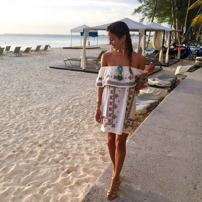 Grand Cayman Outfit Recap - a recap of all of our outfits from our trip to the Cayman Islands | adoubledose.com