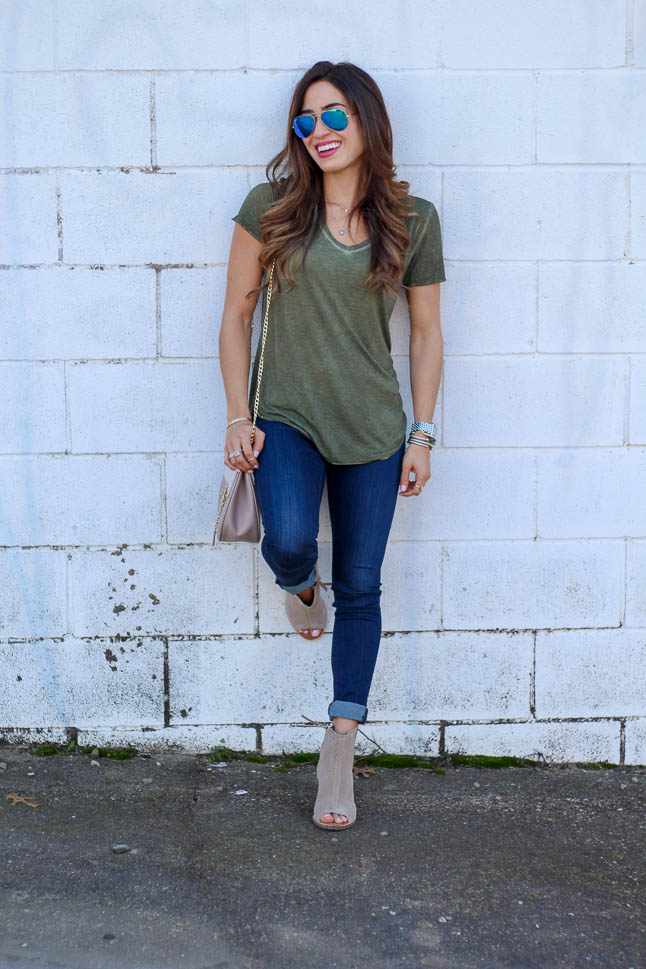 How To Dress up a Basic Tee + Jeans | adoubledose.com